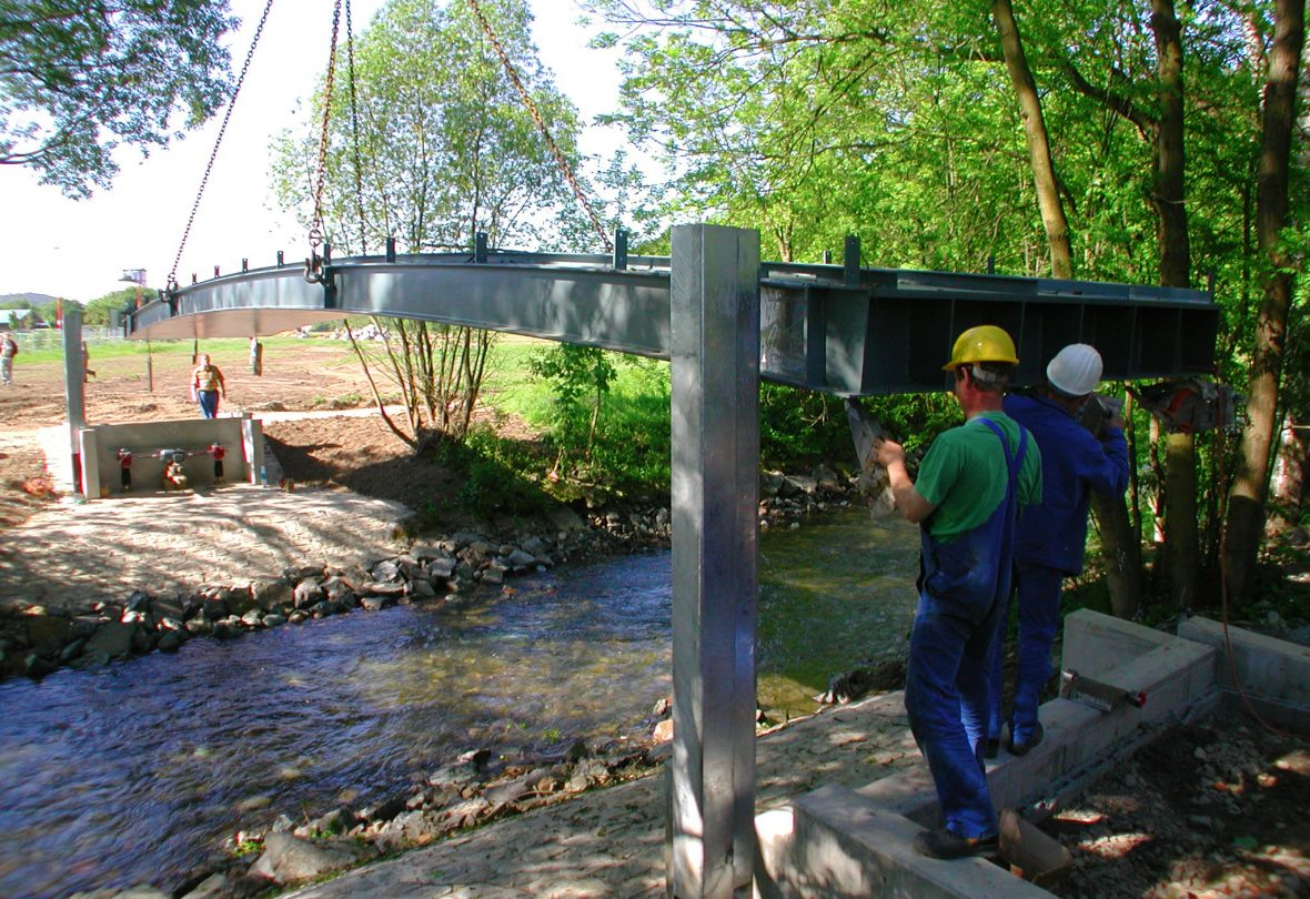 Schlicht + Fischer Ingenieurgesellschaft / Bauprojekt: Hubbrücke Landesgartenschau Kronach